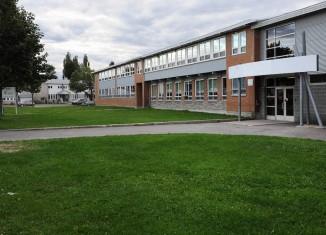 Des roulottes à l'école du Domaine