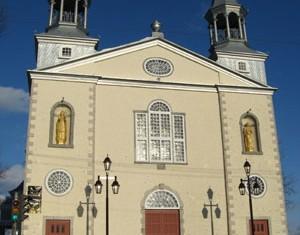 Crèche de Noël à l'église St-Charles-Borromée