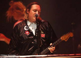 Foule conquise pour Arcade Fire