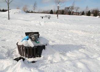 Des poubelles qui débordent